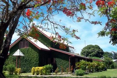 St Peter's, Fiji (Exterior)