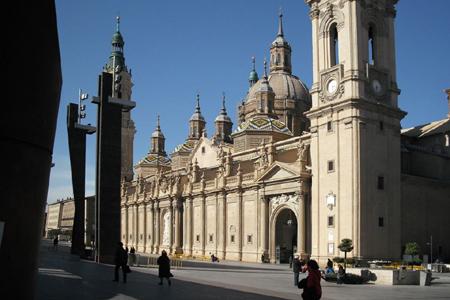 Nuestra Senora del Pilar, Zaragoza (Exterior)