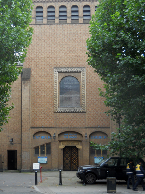 Our Lady of the Rosary, Marylebone (Exterior)